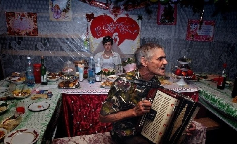 Crazy Russsian Wedding Pics (22)