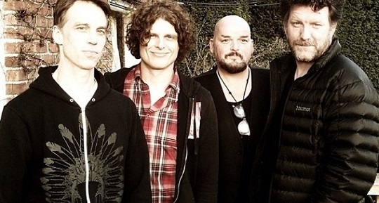 Pearl Jam, Soundgarden, QOTSA, Off supergroup
