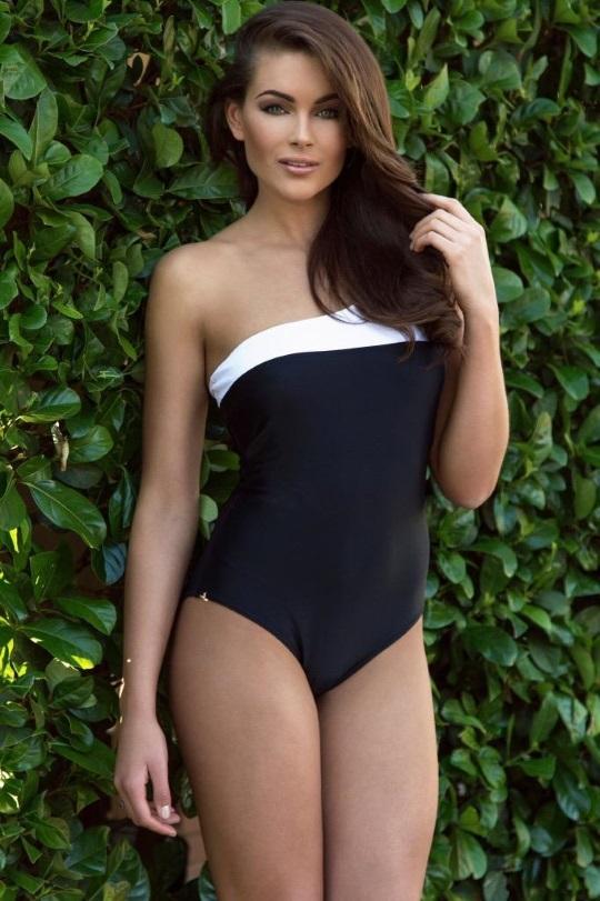Random Gevaaalikhede Rolene Strauss sexy Bikini