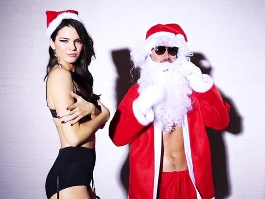 gevaaalike Kersfeeswense met Kendall Jenner (2)