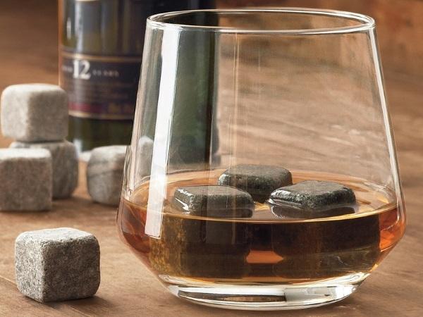 Whiskey Stones Random Gevaaalikhede