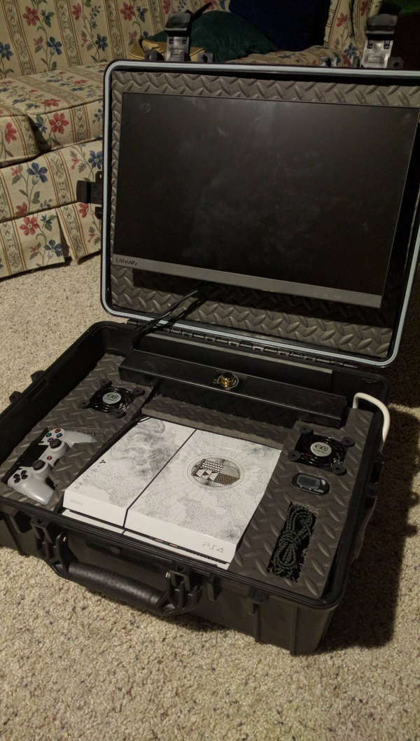 Custom made console travel case (4)