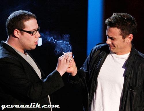 Seth Rogen en James Franco rook 'n joint live by die 2008 MTV Awards