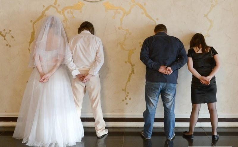Crazy Russsian Wedding Pics (11)