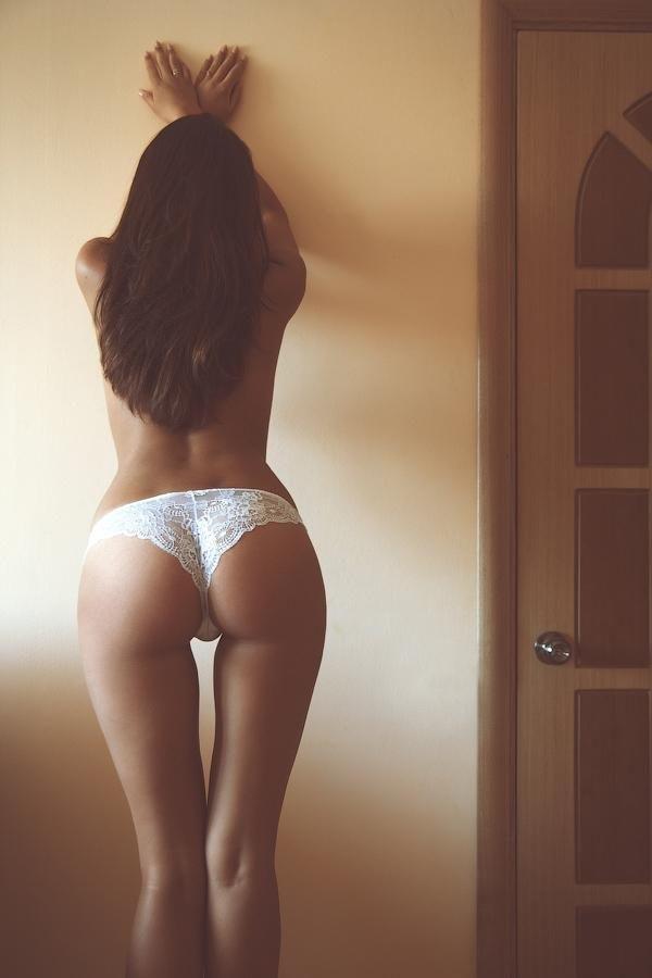 Девушки фото сзади домашнее фото латиноамериканкой девушки